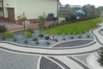 Niewielki ogród przydomowy w Ciechanowie