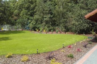 Ogród z kaskadą w Kozłowie