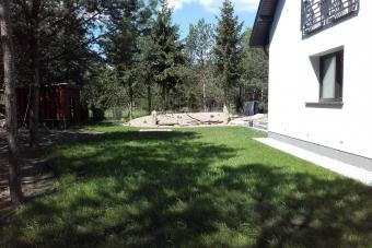 Ogród ze skałami w Szydłowie